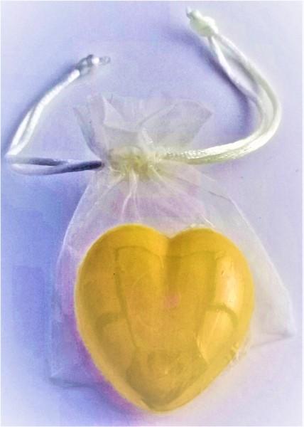 Herz-Seife mit Honigduft im Organzabeutel