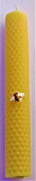 """Kerze aus 100 % reinem Bienenwachs als """"Tafelkerze mit Wabenmuster"""""""